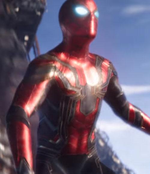 スパイダーマンの強さと筋力や能力!スーツはなんとアイアンマン製?3