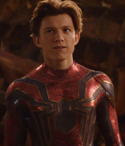 スパイダーマンの強さと筋力や能力!スーツはなんとアイアンマン製?2